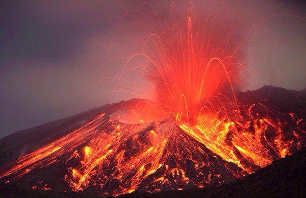 pochemu-izvergayutsya-vulkany